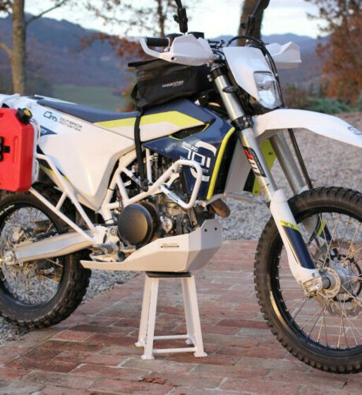 Cubrecárter Outback Motortek para KTM 690 Enduro R / Husqvarna 701 Enduro